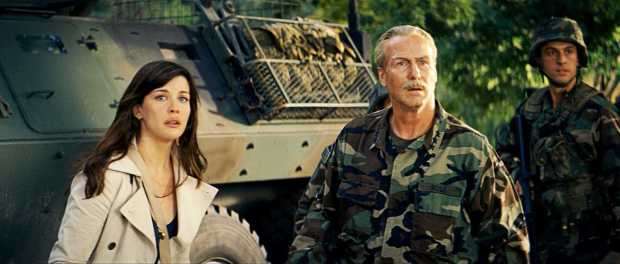 Betty Ross and Thunderbolt Ross in the Incredible Hulk (2008).